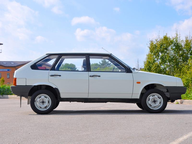 Автомобиль Lada 2109 Спутник