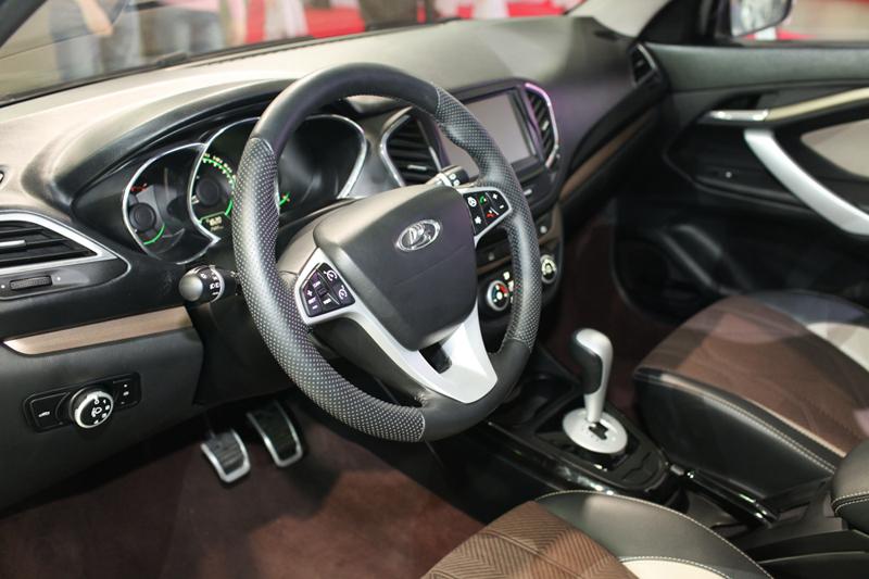 Интерьер Lada Vesta седан